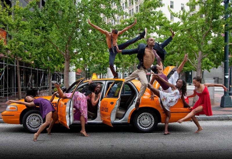 A taxi full!
