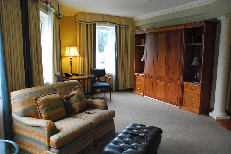 Sitting room in suite Chateau Lake Louise