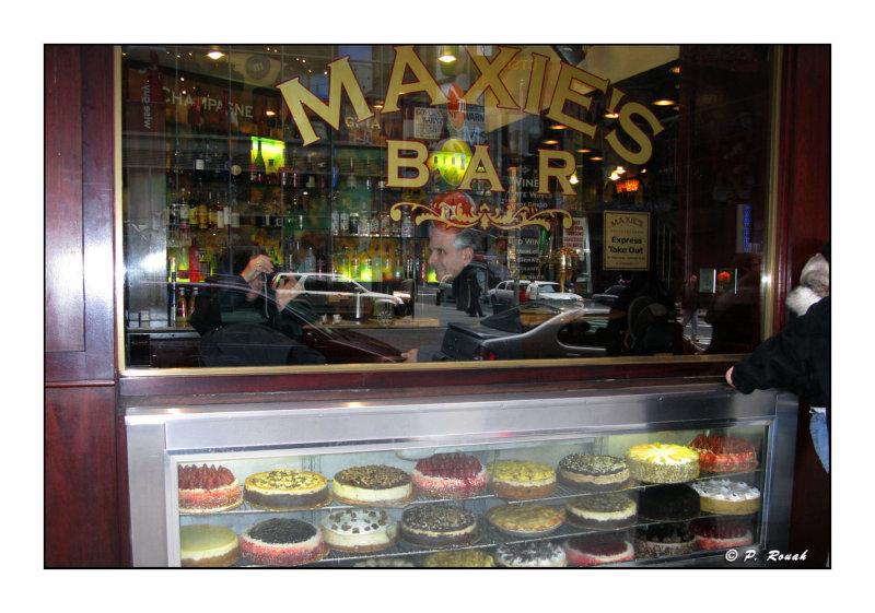 Maxies Bar - 1216