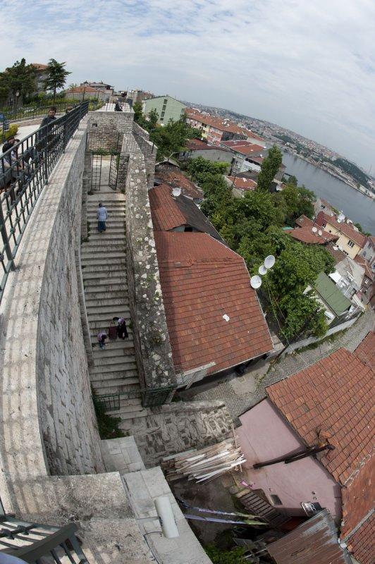 Istanbul June 2010 9550.jpg