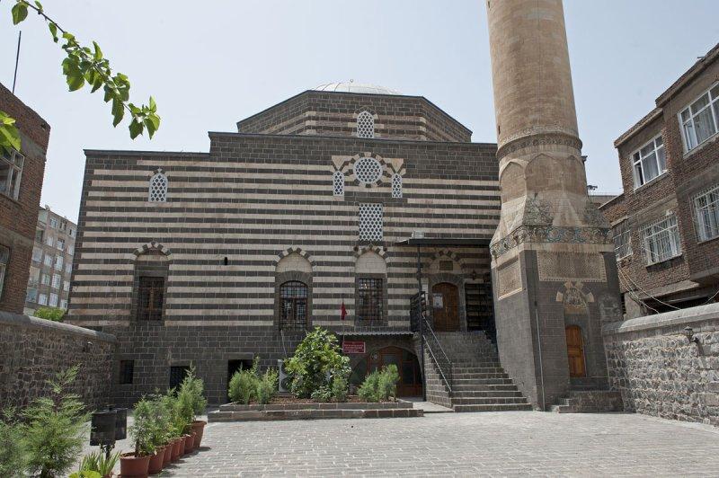 Diyarbakir June 2010 7659.jpg