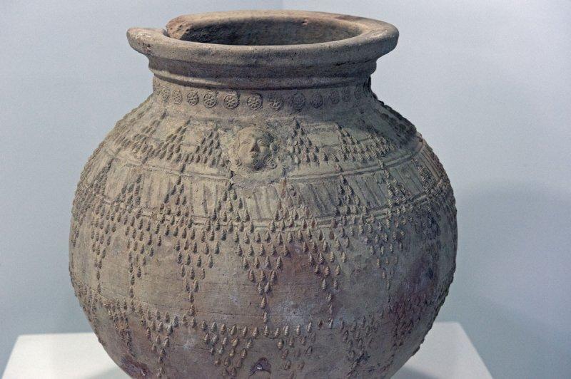 Konya Karatay Ceramics Museum 2010 2488.jpg