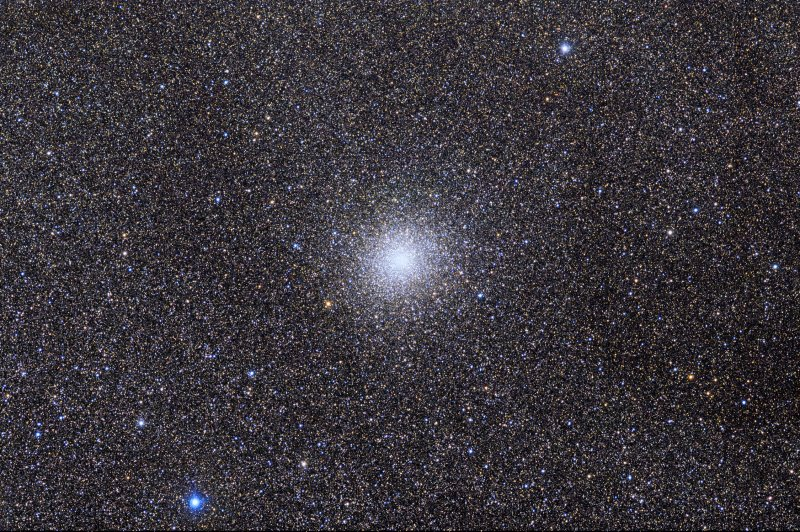 M22 and millions of Milky Way stars (large image)