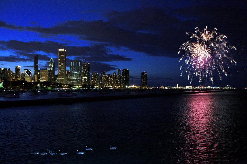 Venetian night - Chicago, fireworks and ducks, U.S.A.
