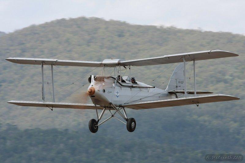 Watts Bridge 29 Aug 10 - DH-60M Moth