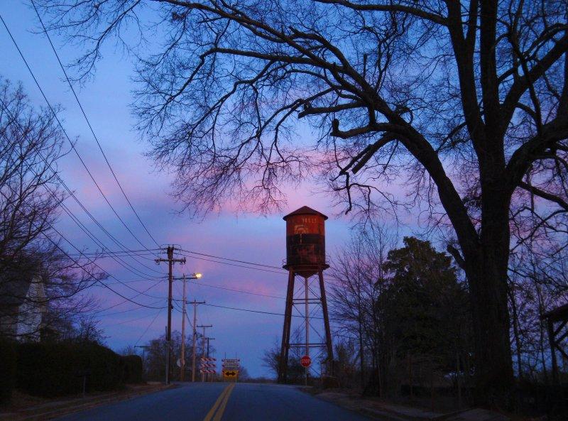 DSC00029a1.jpg - Abney Mill water tower
