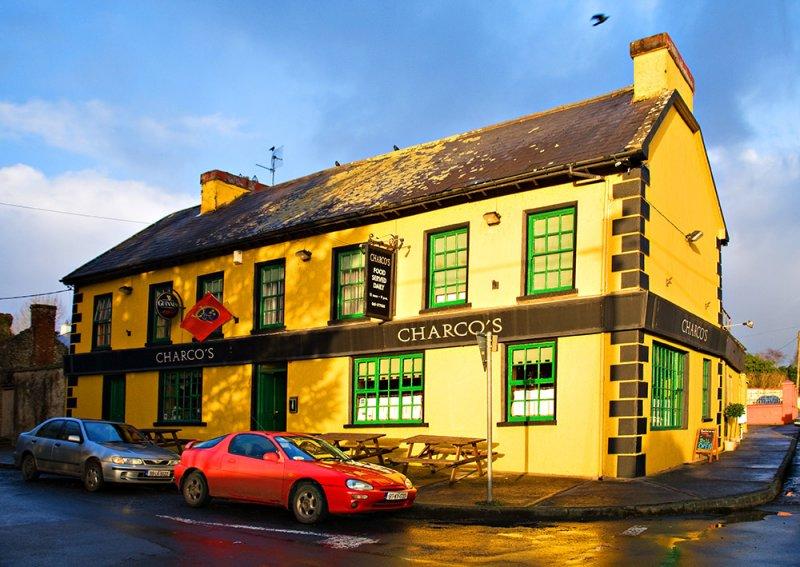 Charcos Pub