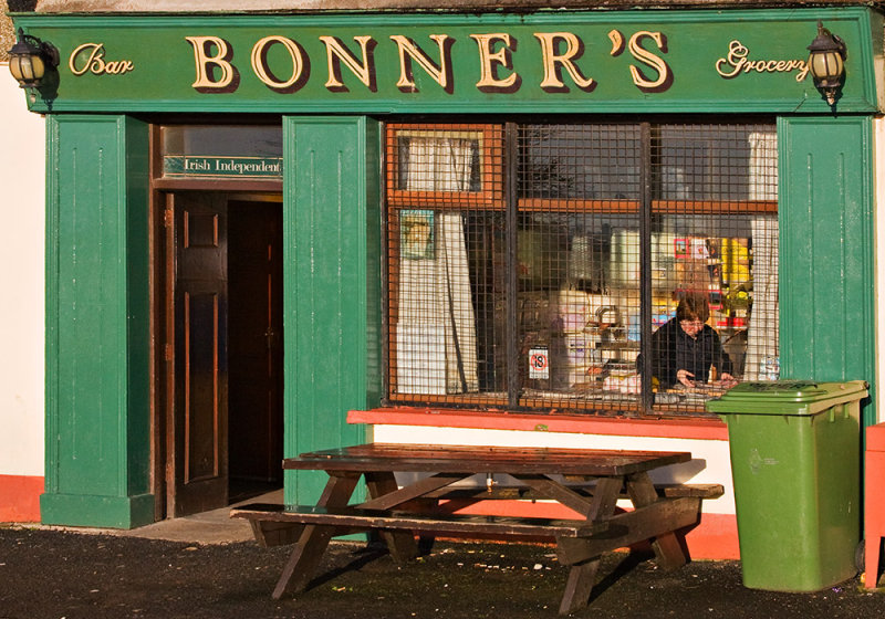 Bonners Bar & Grocery