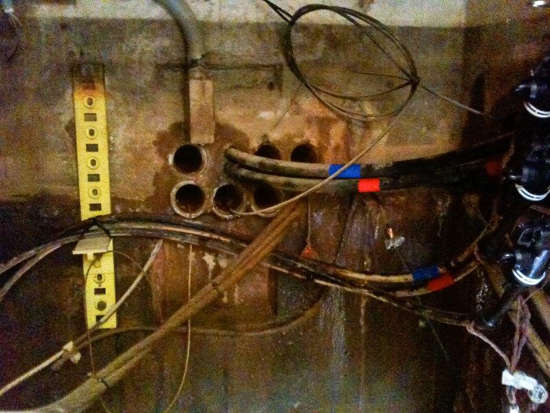 manhole70-1.jpg
