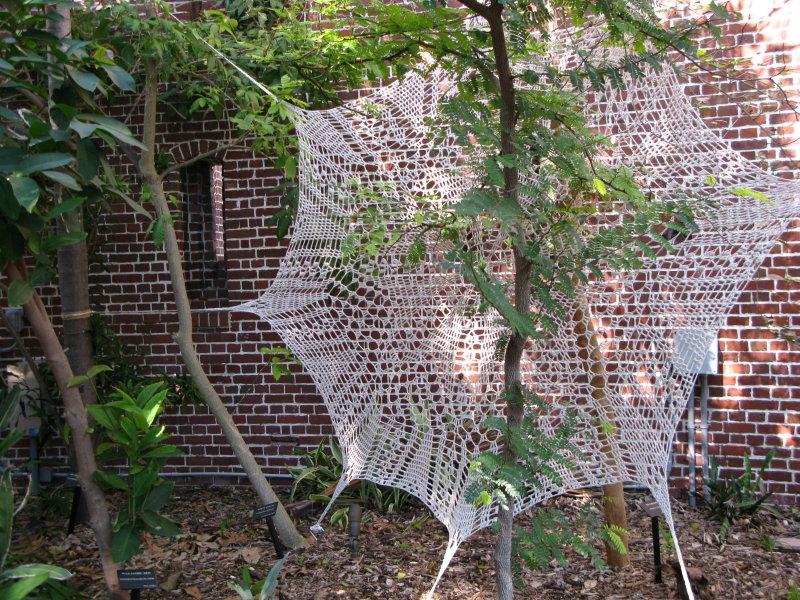 Captured, Cotton string