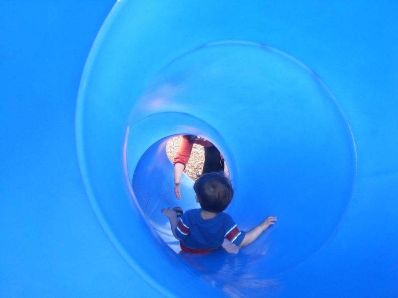 Jack slides down tunnel to Aunt Rosie