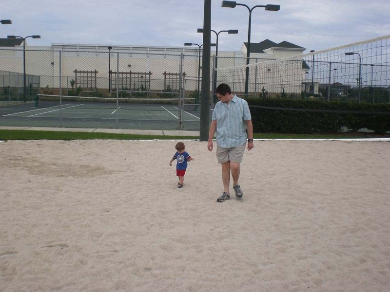Mike and Jack in the volleyball court