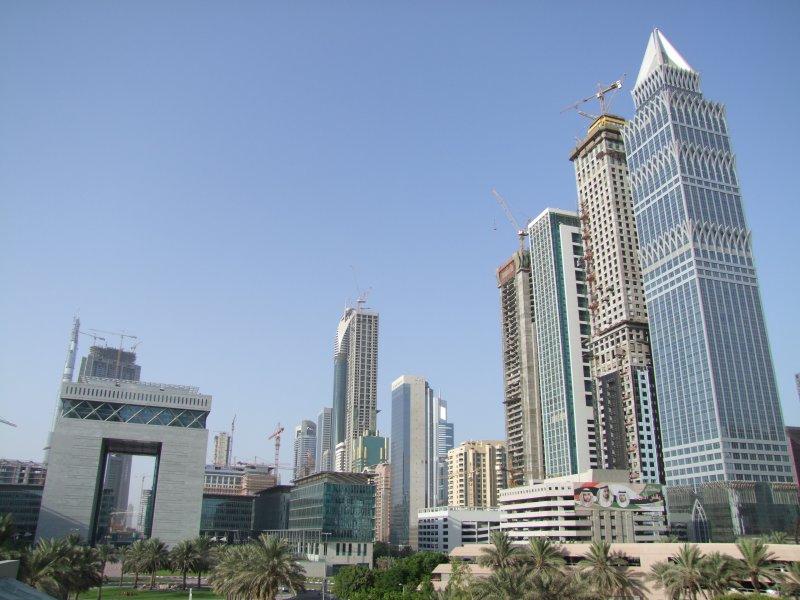 Sheikh Zayed Road Dubai.jpg