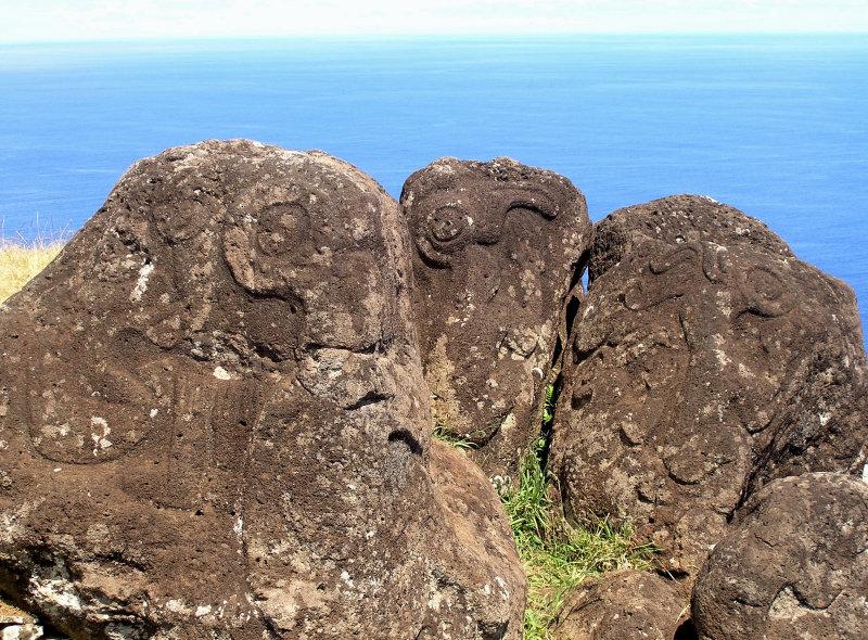 some petroglyphs have clear Birdman figures.....