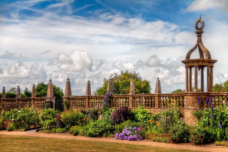 Garden border, Montacute House, Somerset (3127)