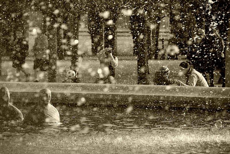 Autour du bassin.