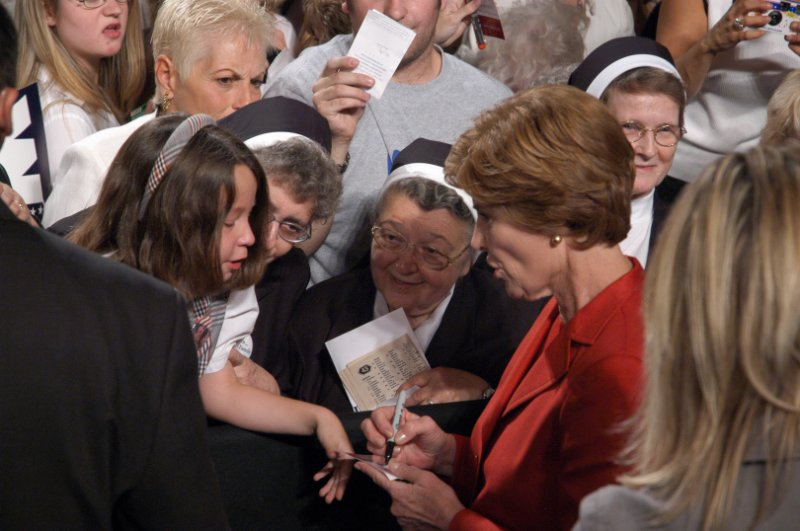 First Lady Signs