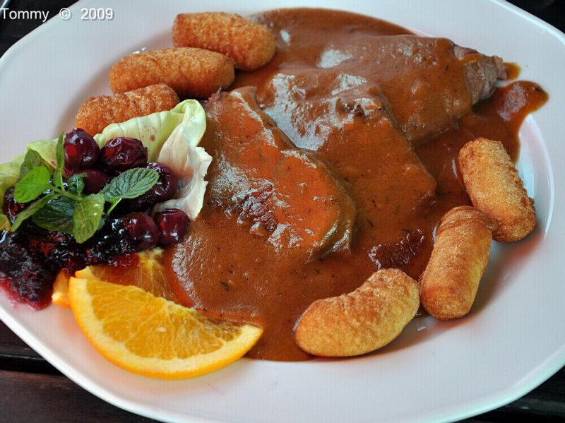 Hungarian food.jpg
