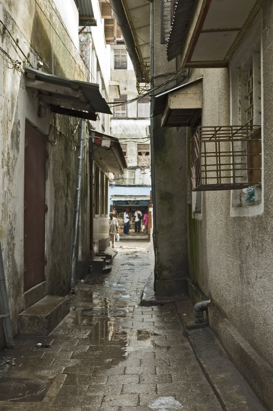 The walkways between the buildings are very narow