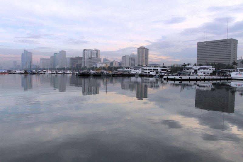 Manila Bay, City of Manila, Philippines (2).JPG
