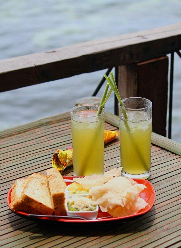 Squash Bread Lemongrass Juice.jpg