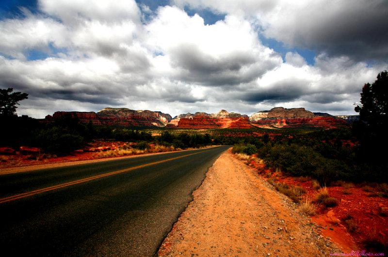 Sedona-Along the Road