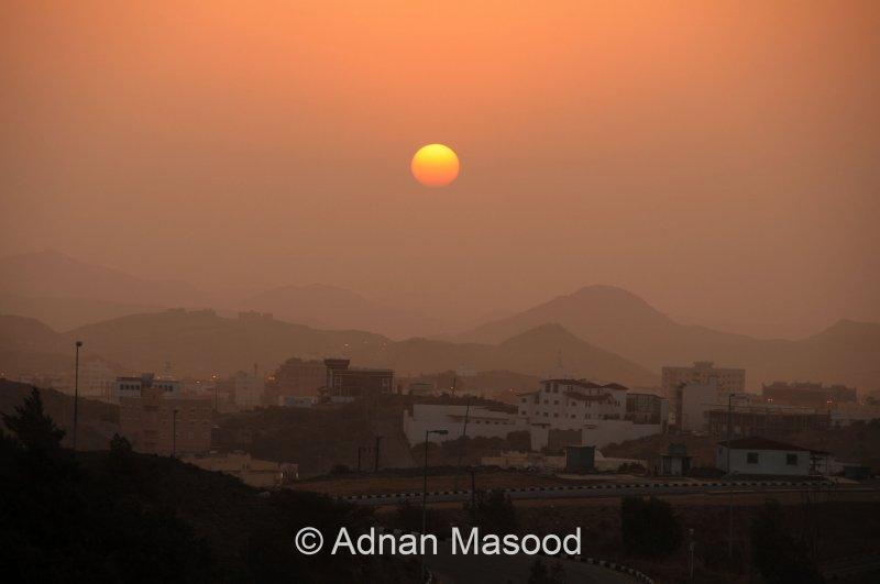 Sunrise_Al_Baha_100712.jpg
