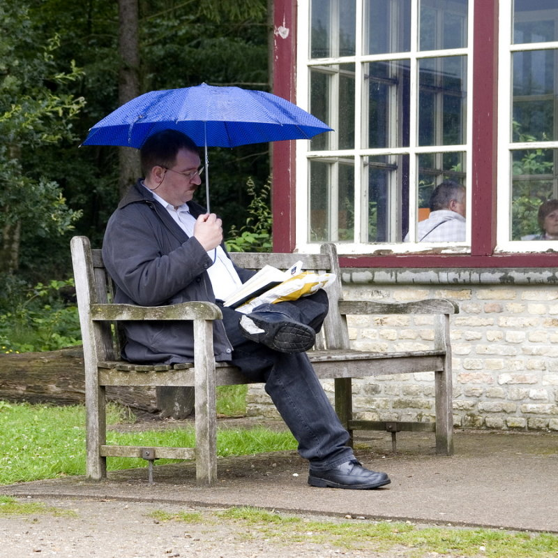Reading in the rain ?!