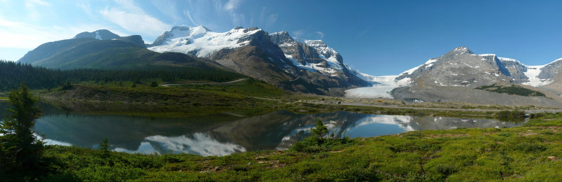 Columbia Icefields pond 10.jpg