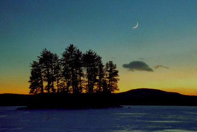 Moon over Conway Lake