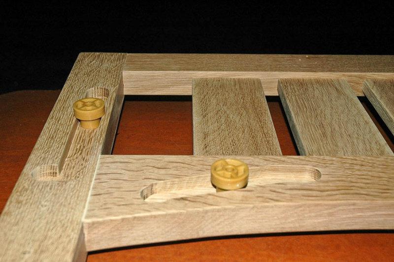 10 end frame grooves close-up