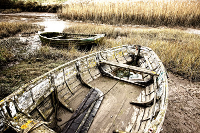 Older Boats High Tone