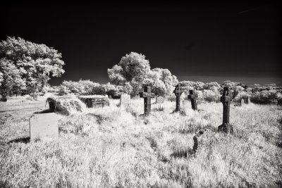 Bessingham Churchyard IR