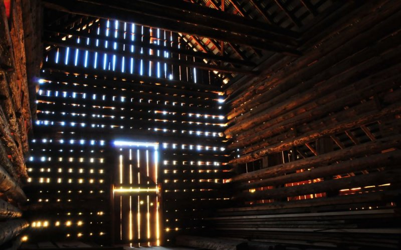 Interior, Foresta Crib Barn