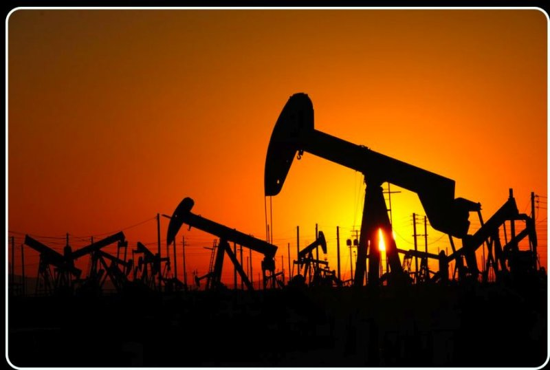 En Route: The Lost Hills Oil Field