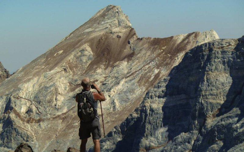 Bob looking at Mt. Baldwin.