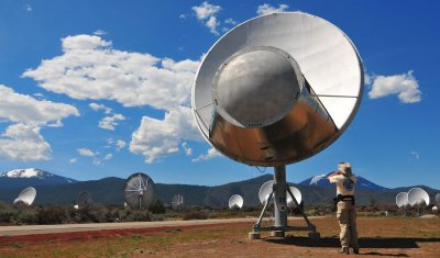 Ken Rockwell Photographs a Hot Creek Radio Telescope