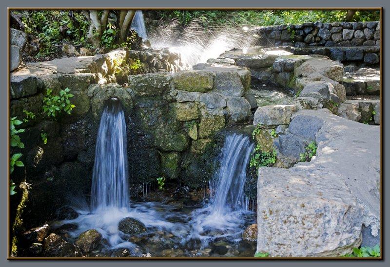 Banyas - small waterfalls