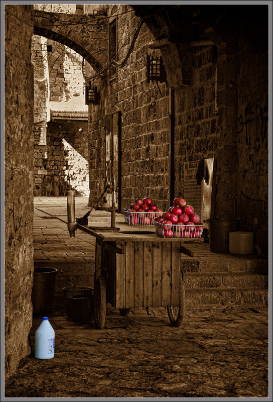 Old Acre - an alley