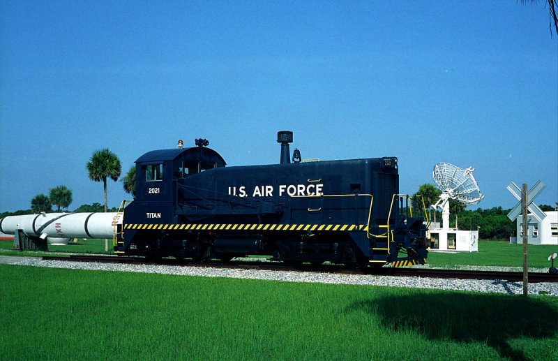 Titan positioning locomotive