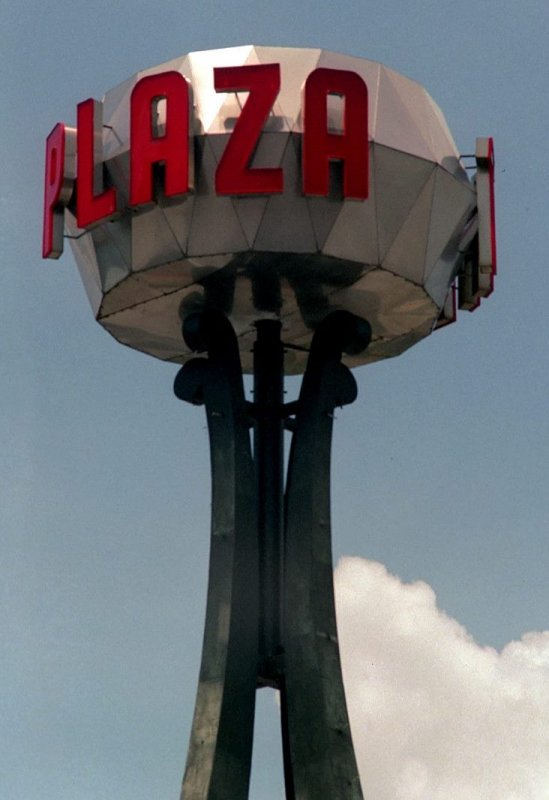 Plaza UFO