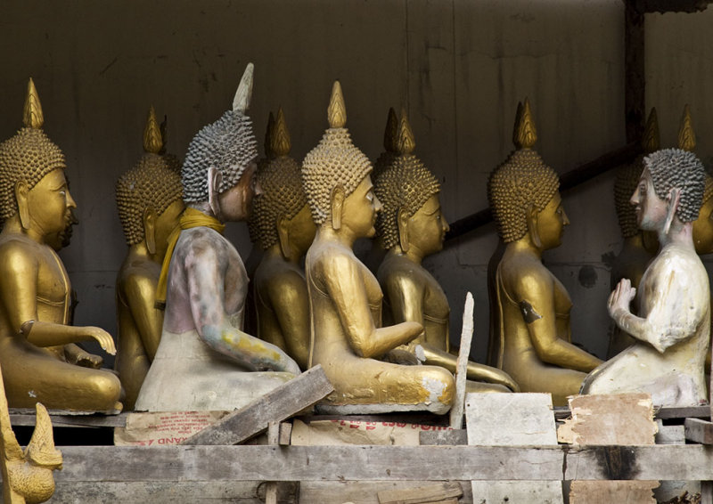 <B>Spare Buddhas</B> <BR><FONT SIZE=2>Bangkok, Thailand, January 2008</FONT>