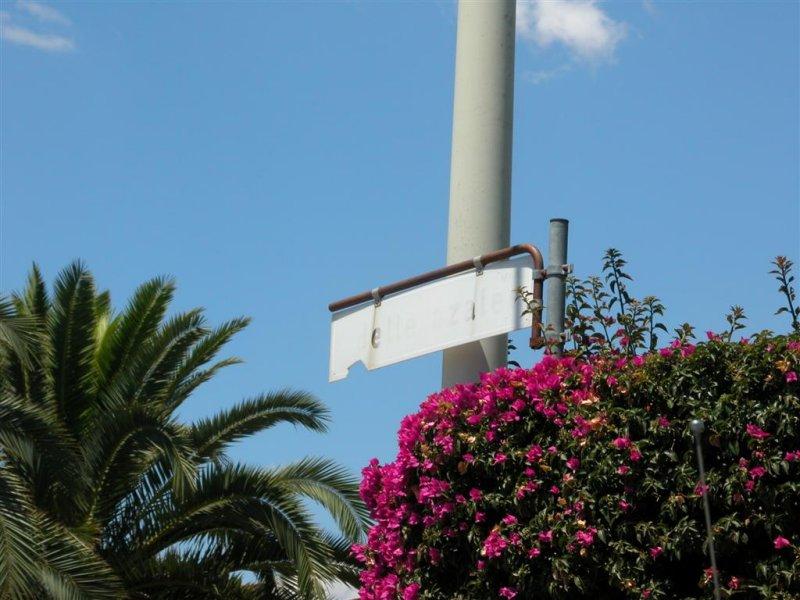 331 Scicilian street sign.JPG