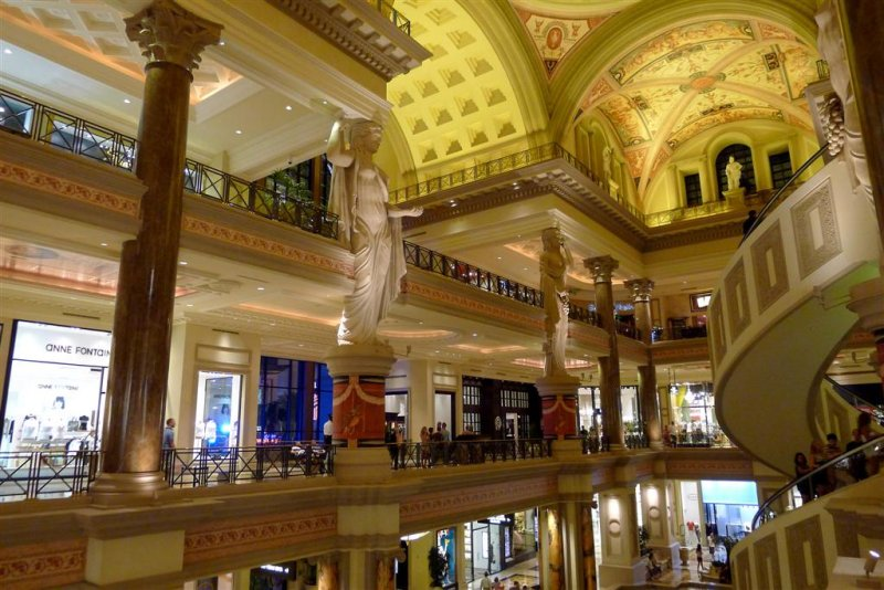 172 Forum Shops.jpg
