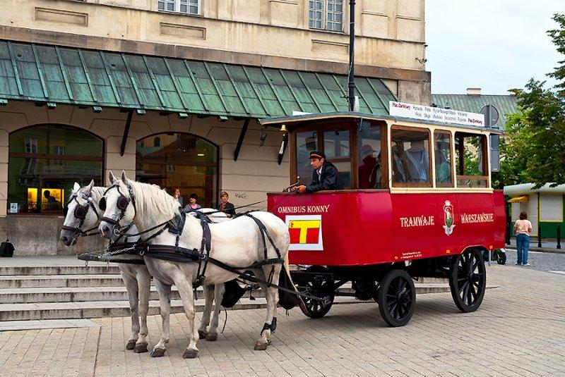 Horse Omnibus