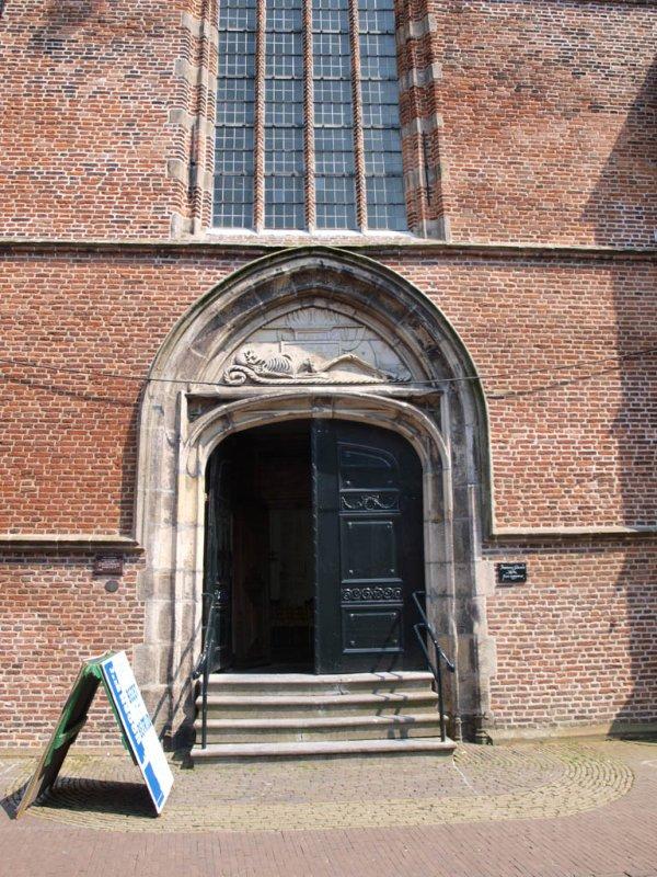 Hoorn, PKN Noorderkerk entree, 2009.jpg