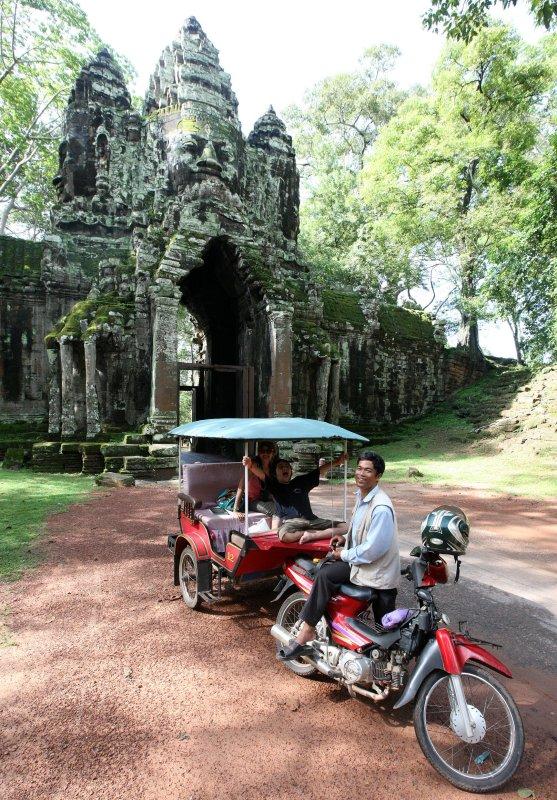 BAYON TEMPLE - CAMBODIA - JULY 2010 (15).JPG