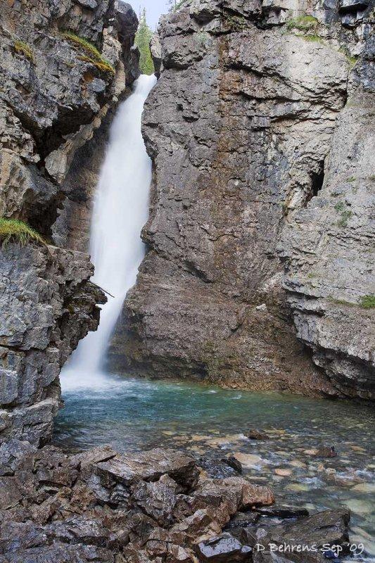 Johnston Canyon Upper Falls.jpg