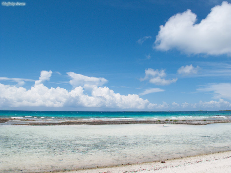 Blue sky & blue sea