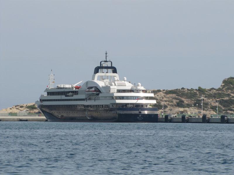 Superyacht Turama